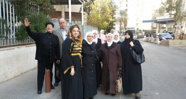 Syrian women arriving in Lebanon